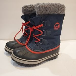 Sorel boys snow boots size 2